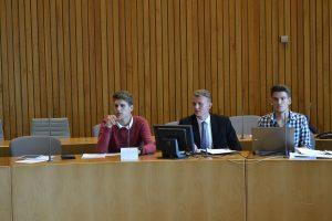 Laurin Melms (ganz links im Bild) in der Sitzung der SPD-Fraktion; Bild: Landtag NRW / Schälte