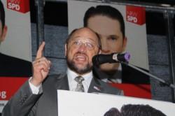 Martin Schulz MdEP am 08.11.2010 auf dem Eschweiler Markt