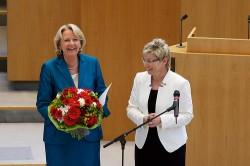 Kraft und NRW-Landtagpräsidentin Carina Gödecke nach der Vereidigung der Ministerpräsidentin (Bild: NRWSPD)