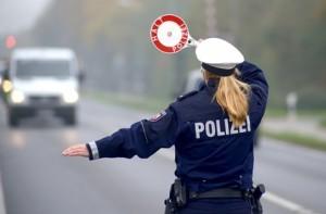 77 zusätzliche Polizisten - NRW reagiert auf Warnung der Gewerkschaft, Bild: Gerhard Seybert - Fotolia.com