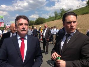 NRW-Verkehrsminister Michael Groschek zusammen mit Stefan Kämmerling MdL bei der Eröffnung des 2. BA der L 238 n am 19.05.2014