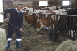 Stefan Kämmerling beim Milchviehbetrieb Roßkamp in Simmerath