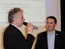 l.: Moderator Ottmar Krauthausen, r.: Landtagskandidat Stefan Kämmerling