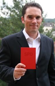 Stefan Kämmerling MdL mit seinem SPD-Parteibuch