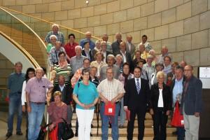 Ehrenabteilung der Freiwilligen Feuerwehr Eschweiler erkundet den Landtag