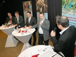 Energiegeladene Diskussion: (von links) Albert Borschardt, Oliver Krischer, Stefan Kämmerling, Ralf Wölk und Patrick Nowicki. Foto: Stefan Herrmann