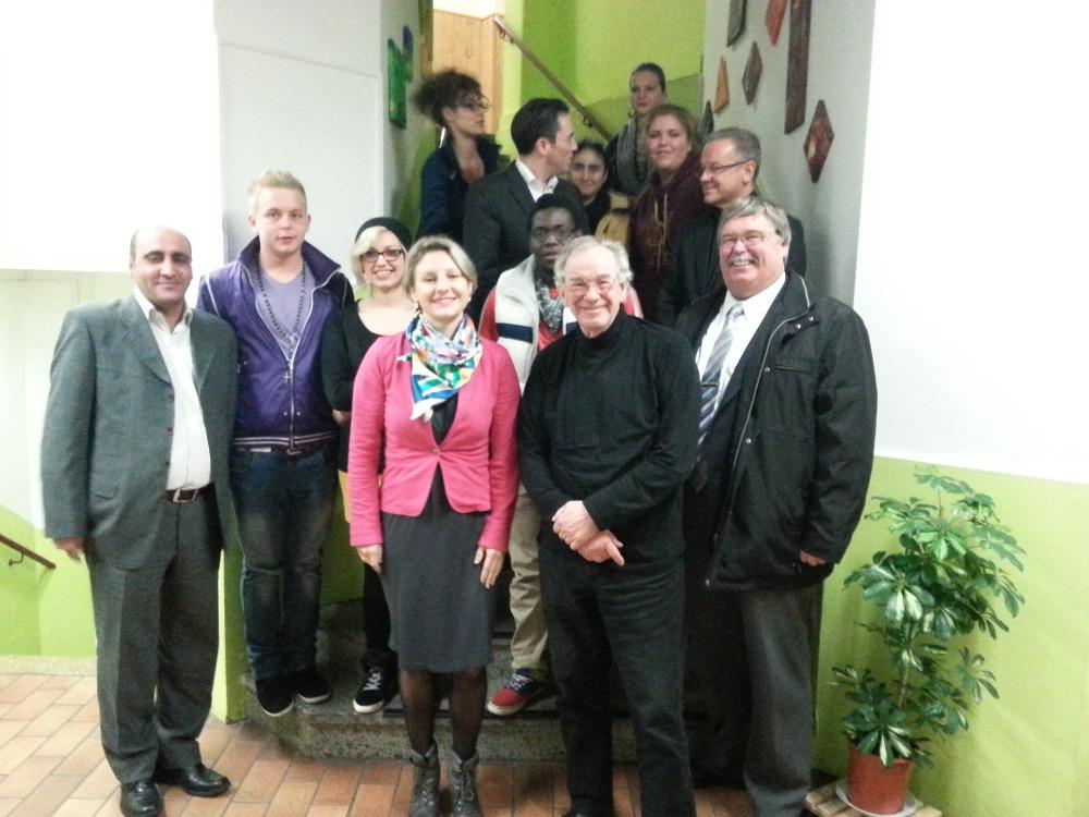 Daniela Jansen MdL, Wolfgang Jörg MdL und Stefan Kämmerling MdL beim Besuch des Projektes am 13.11.2014 zusammen mit den Akteuren und dem Stolberger Bürgermeister Ferdi Gatzweiler