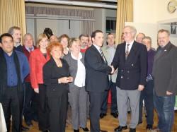 Stefan Kämmerling gratuliert bei der Jubilarehrung des SPD-Ortsvereins Eschweiler-Mitte