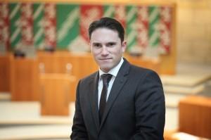 Stefan Kämmerling MdL: ''Rund 26.000,- Euro für die Kommunen in der Städte-region Aachen für die ehrenamtliche Arbeit in der Flüchtlingshilfe''; Bild: Thomas Weiland