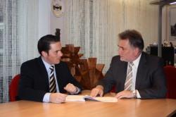 SPD-Landtagskandidat Stefan Kämmerling im Gespräch mit dem Eschweiler Bürgermeister Rudi Bertram